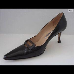 MANOLO BLAHNIK Dark Brown Leather Pointy Toe Pumps